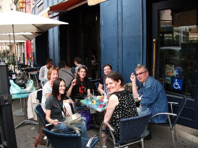 Ingrid,Rachel,Paolo,Vlasta,Anne,Ciaran<br />outside the cafe in Marseille